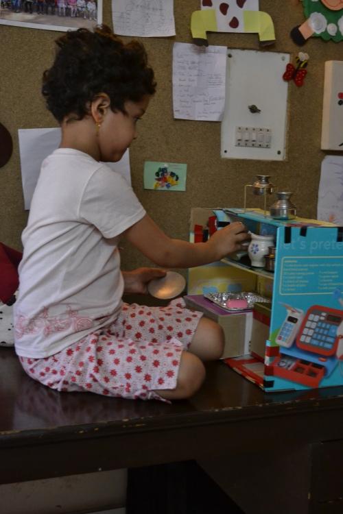 N in play kitchen